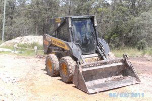 pb-earthworks-browns-plains-earthmoving-bobcats-available-2bd8-938x704